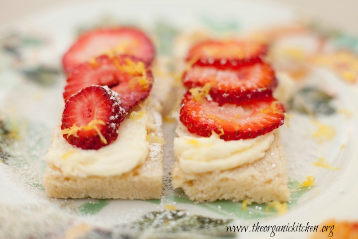 Lemon Shortbread Bars with Mascarpone