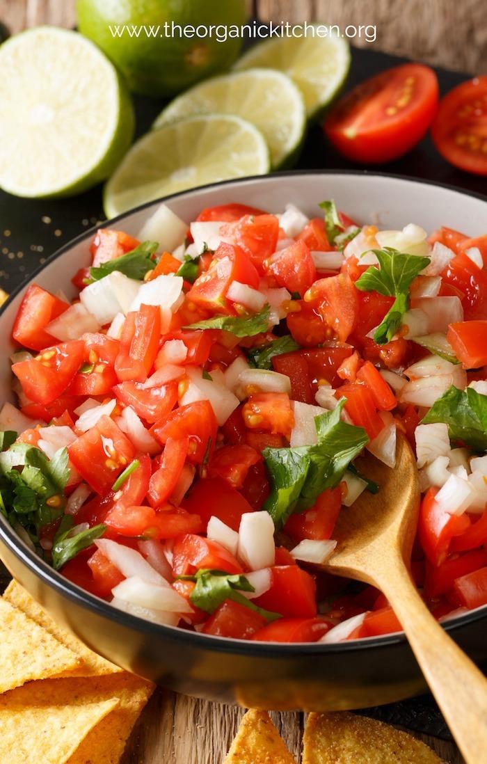 Easy Chunky Guacamole #guacamole #whole30 #paleo #keto